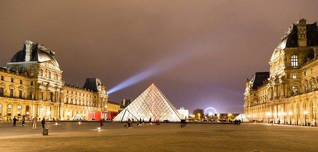 monuments de Paris WanderWorld musée du Louvre