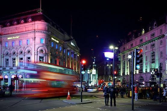 Londres quand il pleut : aller voir un spectacle à Picccadilly Circus